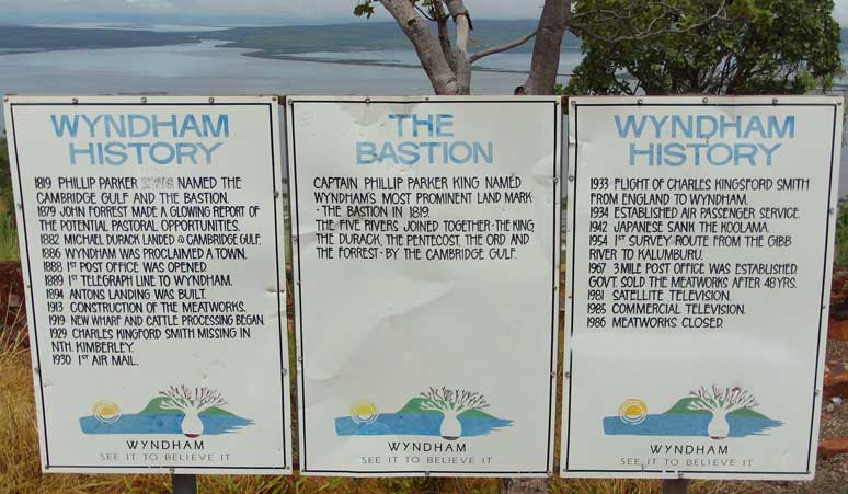 five rivers lookout sign image